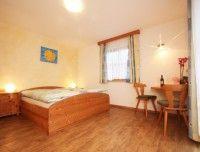 Doppelbettzimmer.jpg